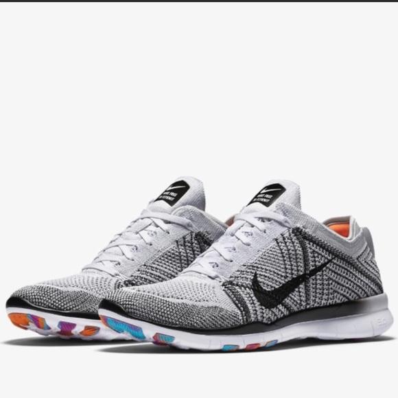 d444da419481 Nike Free TR flyknit Women s Training Shoe. M 5b3c2f907386bc8828cd536c